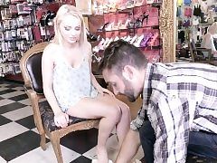Blonde teenagers feet jizzed